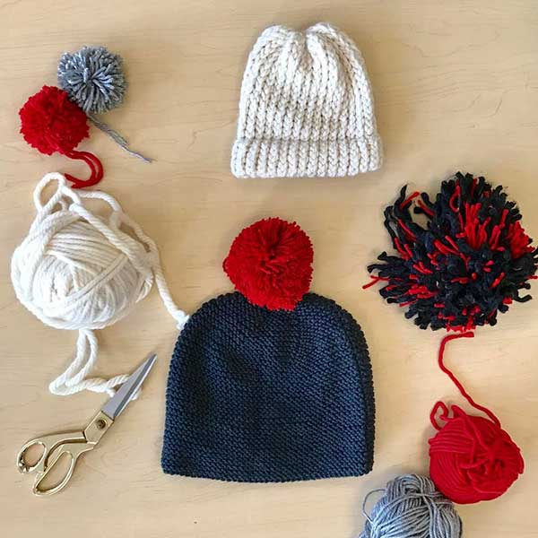 Learn how to make super-sized pom poms with Michelle Muska of Simplicity.